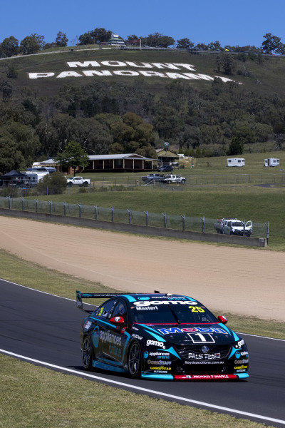 Chaz Mostert, Walkinshaw Andretti United, Holds Commodore ZB.