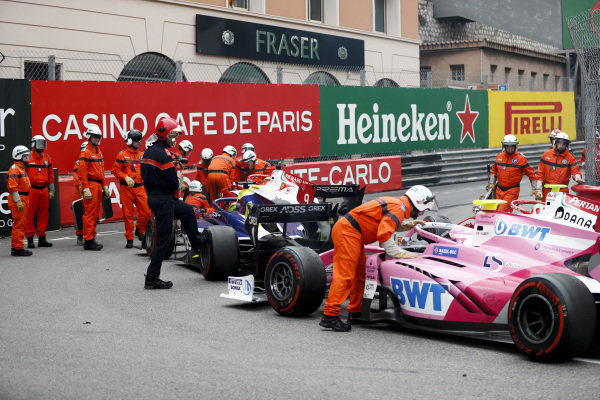 Marshals moving the cars of Mick Schumacher (DEU, PREMA RACING), Louis Deletraz (CHE, CARLIN), Anthoine Hubert (FRA, BWT ARDEN) after the race is red flagged