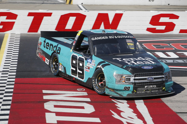 #13: Johnny Sauter, ThorSport Racing, Ford F-150 Vivitar