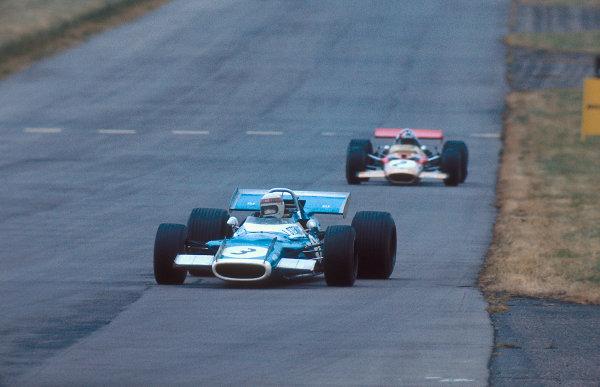 1969 British Grand Prix.Silverstone, England.17-19 July 1969.Jackie Stewart (Matra MS80 Ford) 1st position leads Jochen Rindt (Lotus 49B Ford).Ref-69 GB 05.World Copyright - LAT Photographic