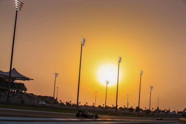 Yas Marina Circuit, Abu Dhabi, United Arab Emirates. Saturday 26 November 2016. Carlos Sainz Jr, Toro Rosso STR11 Ferrari. World Copyright: Charles Coates/LAT Photographic ref: Digital Image DJ5R5982
