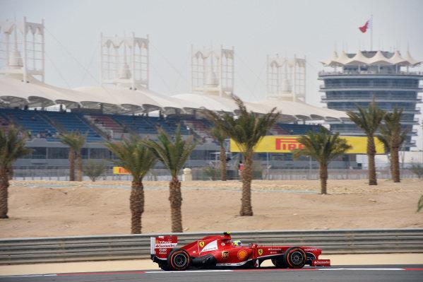 Felipe Massa (BRA) Ferrari F138. Formula One World Championship, Rd4, Bahrain Grand Prix, Practice, Bahrain International Circuit, Sakhir, Bahrain, Friday 19 April 2013.