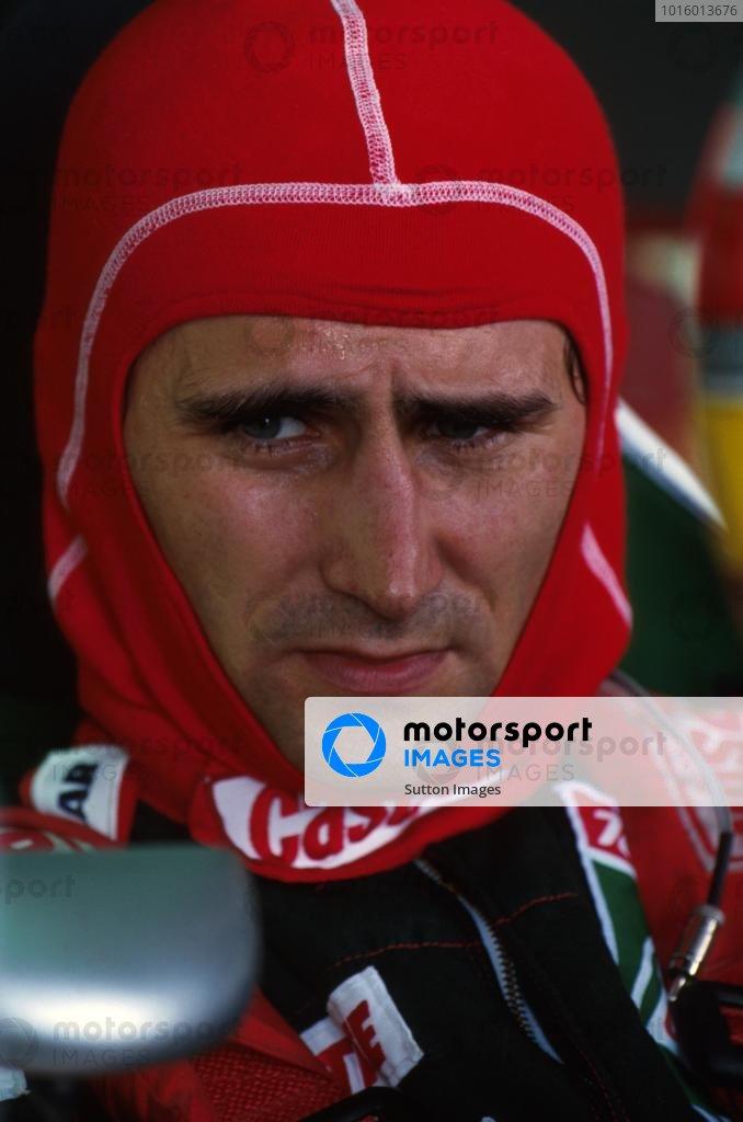 Alex Zanardi prepares to qualify his Lotus. Brazilian GP, Interlagos, 28 March 1993