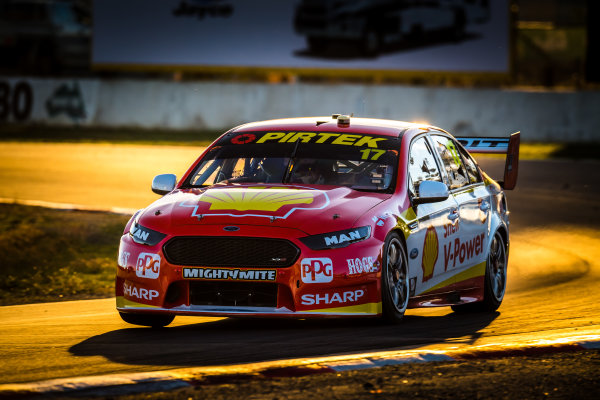 2017 Supercars Championship Round 5.  Winton SuperSprint, Winton Raceway, Victoria, Australia. Friday May 19th to Sunday May 21st 2017. Scott McLaughlin drives the #17 Shell V-Power Racing Team Ford Falcon FGX. World Copyright: Daniel Kalisz/LAT Images Ref: Digital Image 200517_VASCR5_DKIMG_5756.JPG