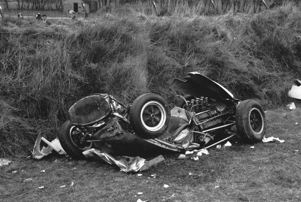 Remains of the Lotus 18 Climax driven by Stirling Moss (GBR), the accident that ended his career at St Marys corner