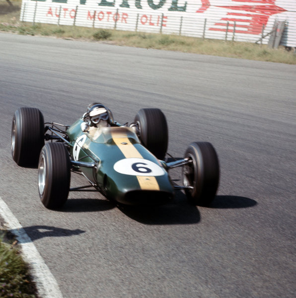 Zandvoort, Holland.22-24 July 1966.Jim Clark (Lotus 33 Climax) 3rd position.Ref-3/2280.World Copyright - LAT Photographic