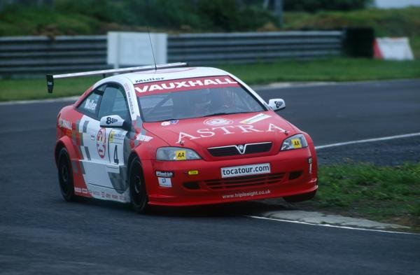Yvan Muller (FRA) took victory in both races.British Touring Car Championship, Mondello Park, Ireland. 17 June 2001BEST IMAGE