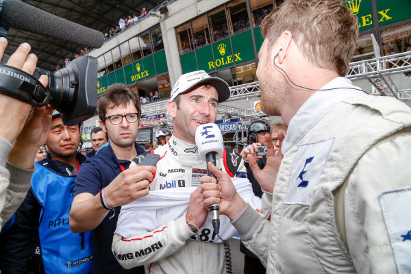 2016 Le Mans 24 Hours. Circuit de la Sarthe, Le Mans, France. Porsche Team / Porsche 919 Hybrid - Romain Dumas (FRA), Neel Jani (CHE), Marc Lieb (DEU).  Sunday 19 June 2016 Photo: Adam Warner / LAT ref: Digital Image _L5R7665
