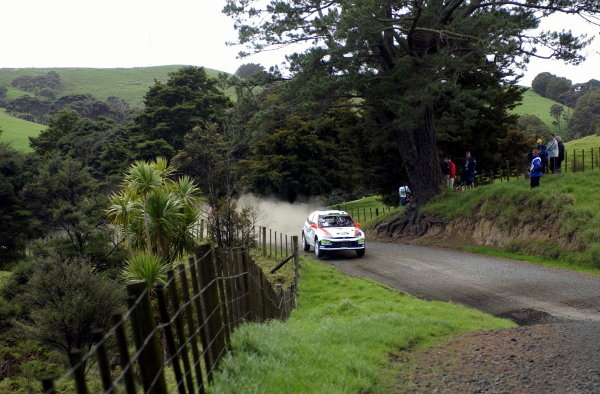 Colin McRae (GBR) / Nicky Grist (GBR) Ford Focus RS 02 WRC.World Rally Championship, Rd12, Propecia Rally of New Zealand Shakedown, Auckland, New Zealand, 2 October 2002.DIGITAL IMAGE