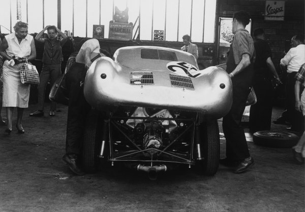 Le Mans, France. 28th - 29th July 1956.Richard von Frankenberg/Wolfgang von Trips (Porsche 550A RS Coupe), 5th position, in a garage, lifting the bodywork off, action. World Copyright: LAT Photographic.Ref:  7144O - 34.