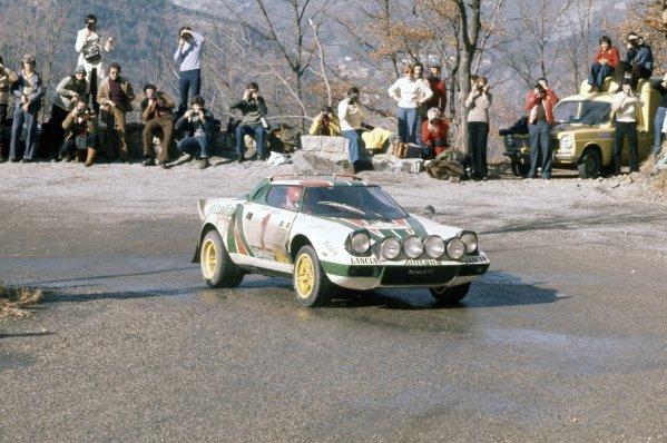 1977 World Rally Championship.Monte Carlo Rally, Monaco. 22-28 January 1977.Sandro Munari/Silvio Maiga (Lancia Stratos), 1st position.World Copyright: LAT PhotographicRef: 35mm transparency 77RALLY01
