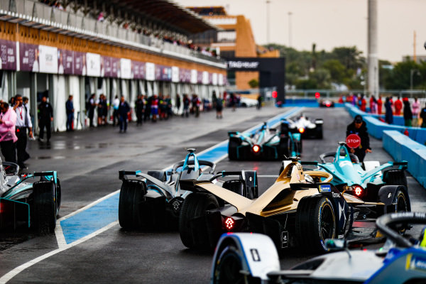 Andre Lotterer (DEU), DS TECHEETAH, DS E-Tense FE19 follows the field out of the pit lane