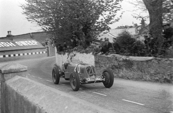 """""""B. Bira"""", Maserati 8CM."""