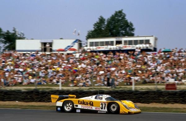 Johnny Dumfries (GBR) TOM'S Toyota 90 CV retired with accident damage.