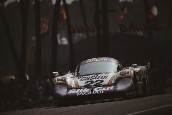 Derek Daly / Larry Perkins / Kevin Cogan, Silk Cut Jaguar, Jaguar XJR-9 LM.