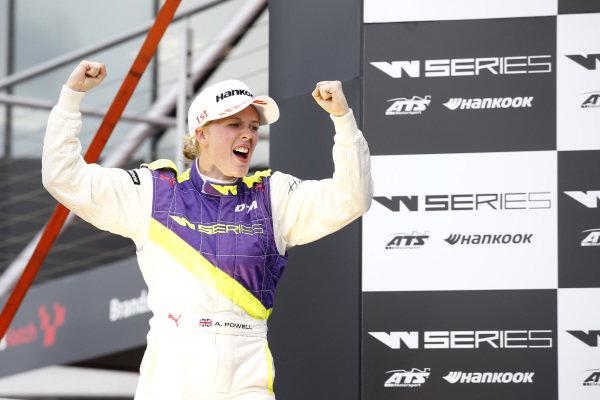 Podium: Race winner Alice Powell (GBR).