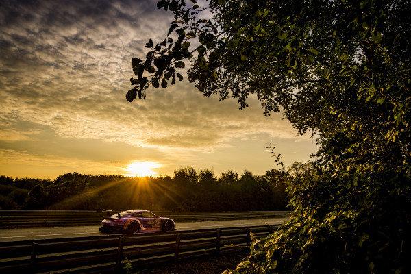 Team Project 1, Porsche 911 RSR: Jeroen Bleekemolen, Felipe Fraga, Ben Keating
