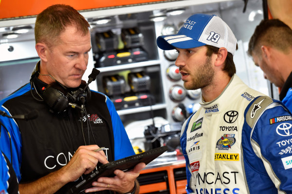 Monster Energy NASCAR Cup Series ISM Connect 300 New Hampshire Motor Speedway Loudon, NH USA Friday 22 September 2017 Daniel Suarez, Joe Gibbs Racing, Comcast / ARRIS Toyota Camry and Scott Graves World Copyright: Nigel Kinrade LAT Images