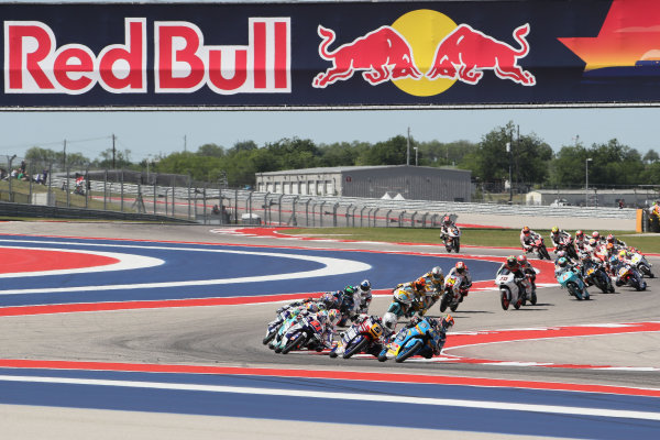 2017 Moto3 Championship - Round 3 Circuit of the Americas, Austin, Texas, USA Sunday 23 April 2017 Start: Aron Canet, Estrella Galicia 0,0, leads World Copyright: Gold and Goose Photography/LAT Images ref: Digital Image Moto3-R-100-2702