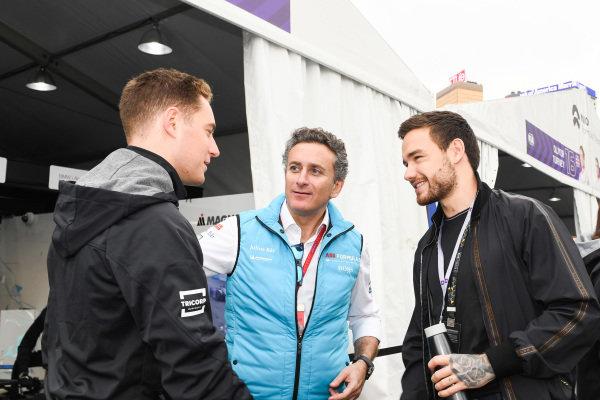 Singer Liam Payne meets Stoffel Vandoorne (BEL), HWA Racelab, VFE-05 and Alejandro Agag, CEO, Formula E