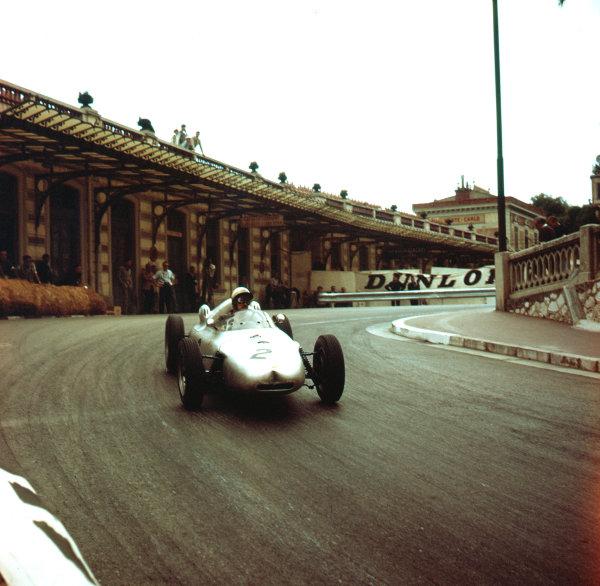 1961 Monaco Grand Prix.Monte Carlo, Monaco.11-14 May 1961.Jo Bonnier (Porsche 787).Ref-3/0254.World Copyright - LAT Photographic