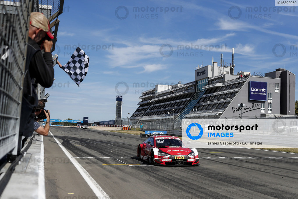 Checkered flag for René Rast, Audi Sport Team Rosberg, Audi RS 5 DTM.