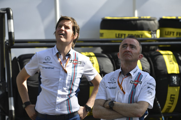 Rob Smedley (GBR) Williams Head of Vehicle Performance and Paddy Lowe (GBR) Williams Shareholder and Technical Director at Formula One World Championship, Rd1, Australian Grand Prix, Race, Albert Park, Melbourne, Australia, Sunday 26 March 2017.
