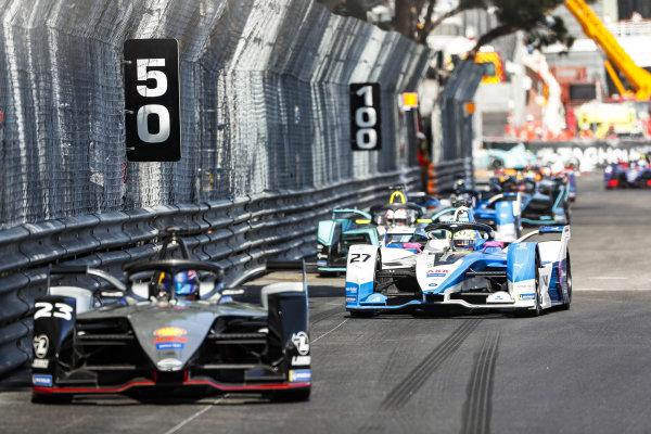 Sébastien Buemi (CHE), Nissan e.Dams, Nissan IMO1 leads Alexander Sims (GBR) BMW I Andretti Motorsports, BMW iFE.18