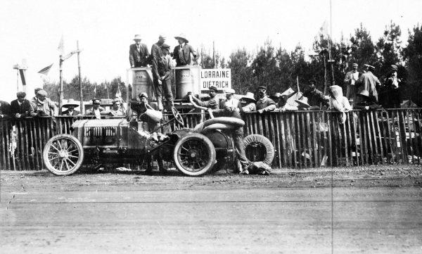 Le Mans, France.26-27 June 1906.Arthur Duray (Lorraine-Dietrich), 8th position.Published-Autocar 7/7/1906 p12. Ref-S65/1854.World Copyright - LAT Photographic