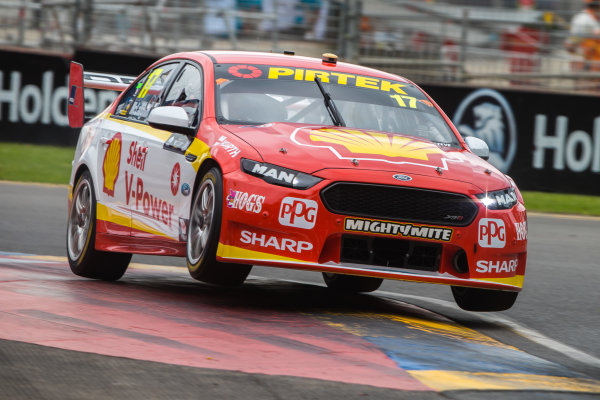2018 Supercars Championship Adelaide 500, Adelaide, South Australia, Australia Friday 2 March 2018  #18 Scott Mclaughlin (NZ) Shell V-Power Racing Team  World Copyright: Dirk Klynsmith / LAT Images ref: Digital Image 2018VASC01-03082