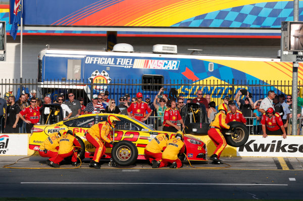 Monster Energy NASCAR Cup Series Monster Energy NASCAR All-Star Race Charlotte Motor Speedway, Concord, NC USA Friday 19 May 2017 Joey Logano, Team Penske, Shell Pennzoil Ford Fusion World Copyright: Matthew T. Thacker LAT Images ref: Digital Image 17CLT1mt1432