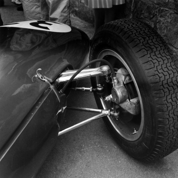 1961 Belgian Grand Prix.Spa-Francorchamps, Belgium. 18 June 1961.Innes Ireland, Lotus 21, retired, new front wheel and wishbone construction, detail.World Copyright: LAT PhotographicRef: 9245