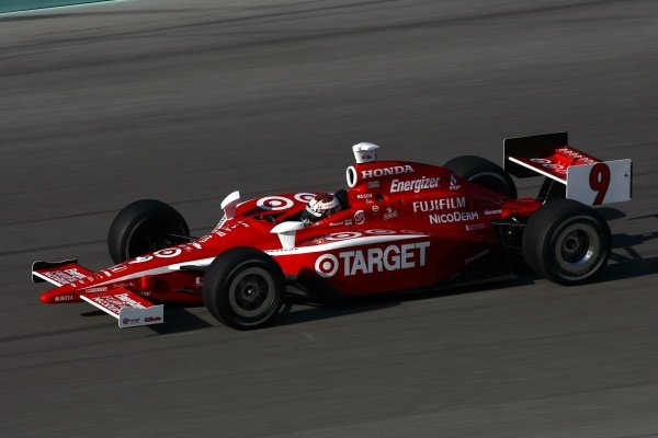 Scott Dixon (NZL), Target Ganassi Racing Dallara Honda, finished second.