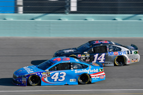 18-20 November, 2016, Homestead, Florida USA Aric Almirola and Tony Stewart ? 2016, Nigel Kinrade LAT Photo USA