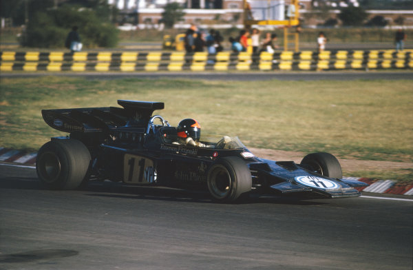 1972 Argentinian Grand Prix.  Buenos Aires, Argentina. 21st-23rd January 1972.  Emerson Fittipaldi, Lotus 72D Ford, retired.  Ref: 72ARG28. World Copyright: LAT Photographic