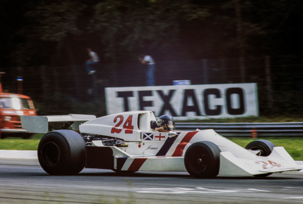 1975 Italian Grand Prix. Monza, Italy. 5 - 7 September 1975. James Hunt (Hesketh 308C Ford) 5th position, action. World Copyright: LAT Images. Ref: 75 ITA 23.