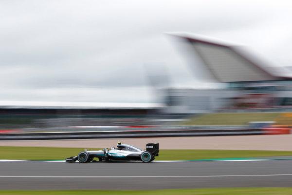 Silverstone, Northamptonshire, UK Friday 08 July 2016. Nico Rosberg, Mercedes F1 W07 Hybrid.  World Copyright: Andrew Ferraro/LAT Photographic ref: Digital Image _FER8796