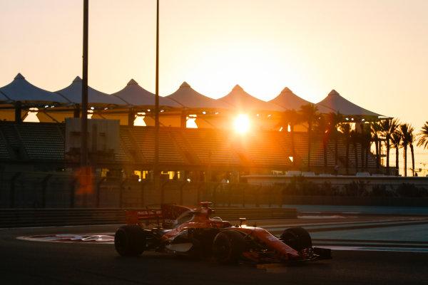 Yas Marina Circuit, Abu Dhabi, United Arab Emirates. Wednesday 29 November 2017. Stoffel Vandoorne, McLaren MCL32 Honda.  World Copyright: Joe Portlock/LAT Images  ref: Digital Image _L5R1131