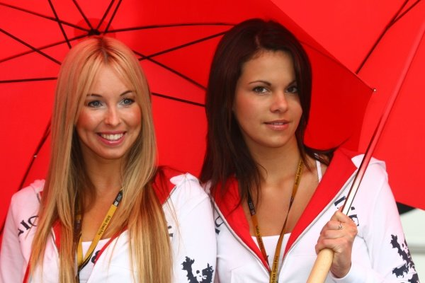 2007 Moto GP British Grand Prix.Donington Park, England.22nd-24th June 2007.Girls in the paddock, glamour.World Copyright: Kevin Wood/LAT Photographicref: Digital Image IMG_5744
