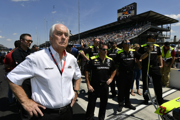 Roger Penske, Simon Pagenaud, Team Penske Chevrolet crew