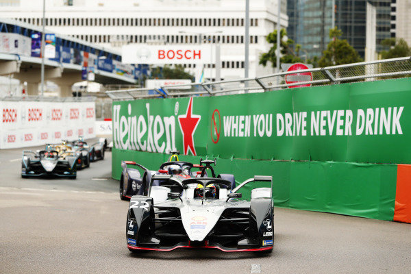 Oliver Rowland (GBR), Nissan e.Dams, Nissan IMO1, leads at the start of the race