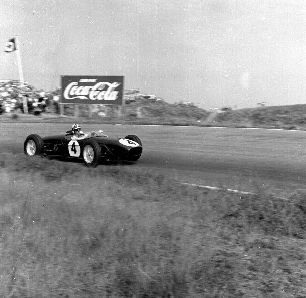 1960 Dutch Grand Prix.Zandvoort, Holland.4-6 June 1960.Innes Ireland (Lotus 18 Climax) 2nd position.Ref-6570.World Copyright - LAT Photographic