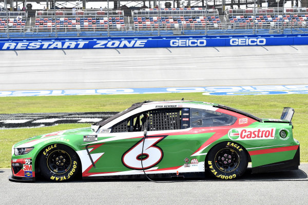 #6: Ryan Newman, Roush Fenway Racing, Ford Mustang Castrol