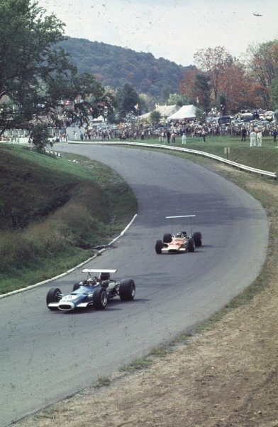 1968 Canadian Grand Prix.Mont-Tremblant, (St. Jovite), Quebec, Canada.20-22 September 1968.Jean-Pierre Beltoise (Matra MS11) leads Bill Brack (Lotus 49B Ford).Ref-68 CAN 30.World Copyright - LAT Photographic
