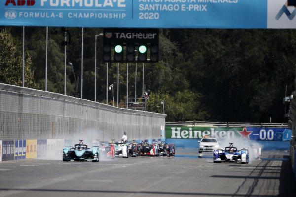 Mitch Evans (NZL), Panasonic Jaguar Racing, Jaguar I-Type 4, leads at the start of the race