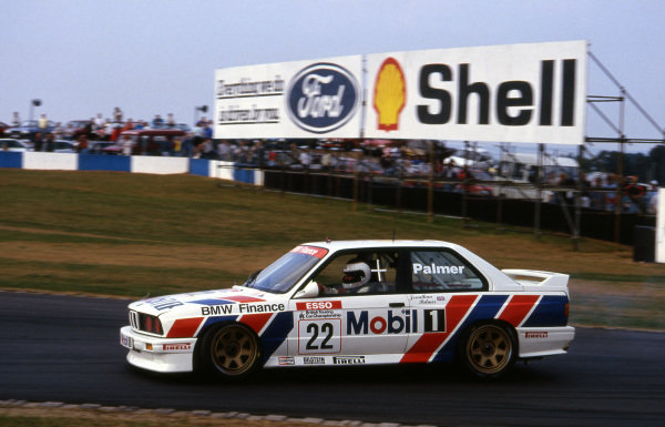 Jonathan Palmer (GBR) BMW Team Finance BMW M3. British Touring Car Championship, Rd11, Donington Park, England, 15 September 1991.
