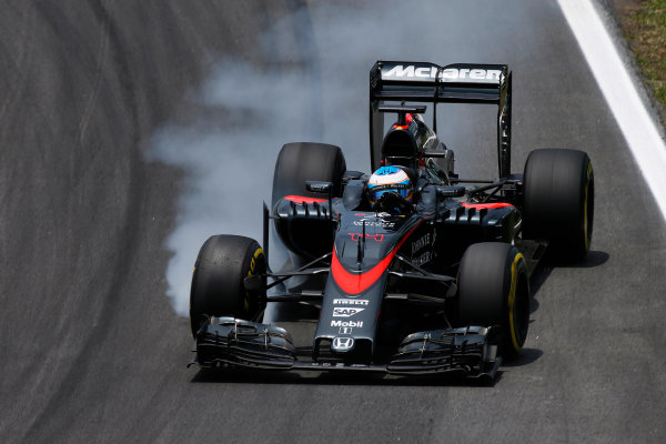 Interlagos, Sao Paulo, Brazil. Saturday 14 November 2015. Fernando Alonso, McLaren MP4-30 Honda. World Copyright: Glenn Dunbar/LAT Photographic ref: Digital Image _W2Q4468