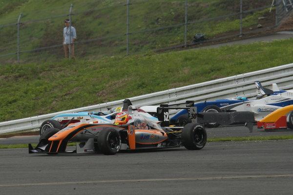 2014 All-Japan F3 Championship. Fuji, Japan. 11th - 13th July 2014. Rd 4. Race 2 - Start of the race, action. World Copyright: Yasushi Ishihara / LAT Photographic. Ref: 2014JF3_Rd8&9_019.JPG