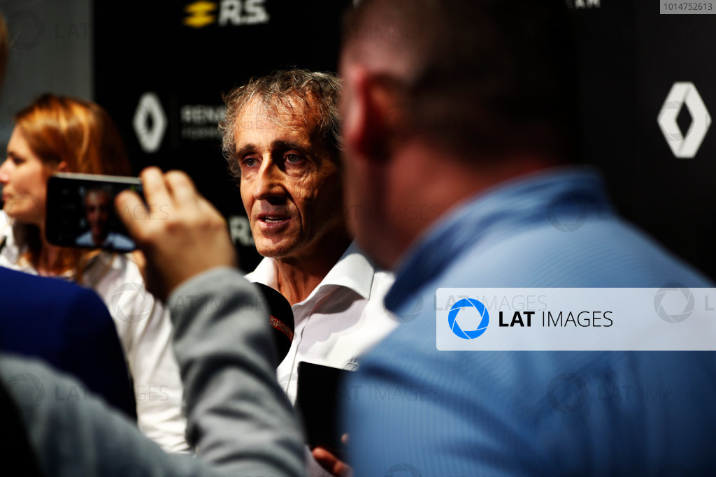 Renault  RS17  Formula 1 Launch. The Lindley Hall, London, UK. Tuesday 21 February 2017. Alain Prost, special advisor to Renault Sport F1, talks to the media.  World Copyright: Glenn Dunbar/LAT Images Ref: _X4I0064