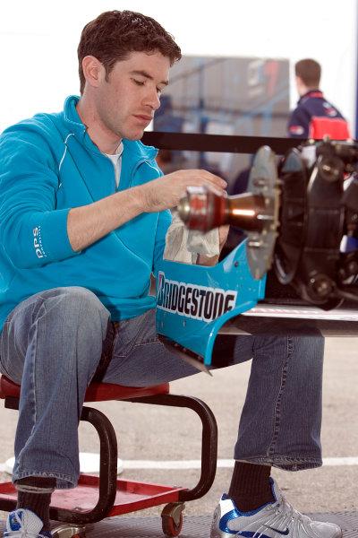 2005 GP2 Series - ImolaAutodromo Enzo e Dino Ferrari, Italy. 21st - 24th April.Thursday Preview.DPR Mechanic at work.Photo: GP2 Series Media Serviceref: Digital Image Only.